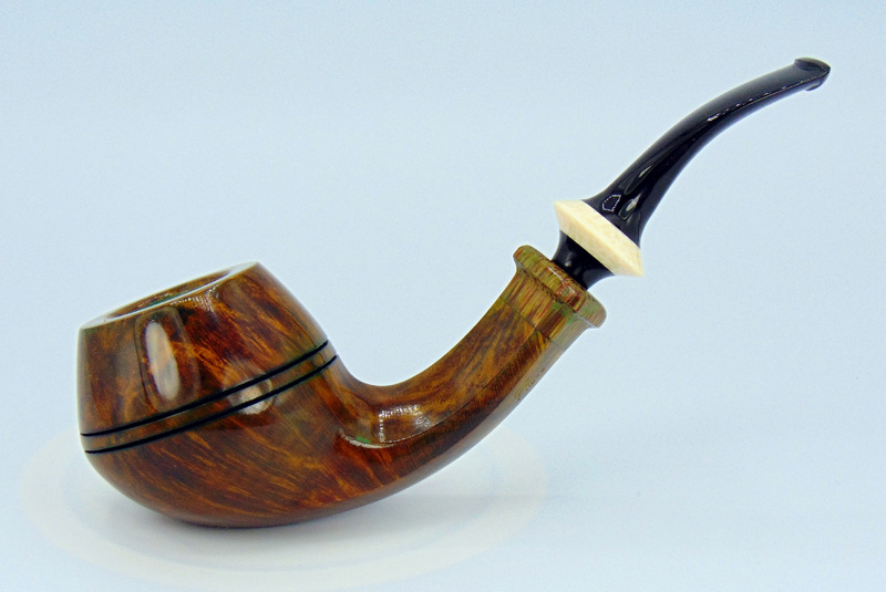 Rdpipes 151 Stylized Bent Bulldog w/Military bit